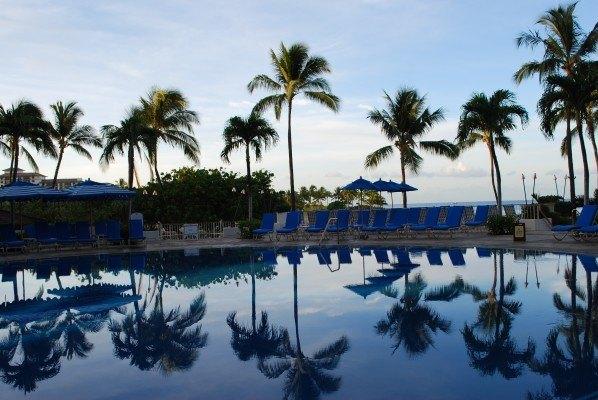 Hawaii Pool Front