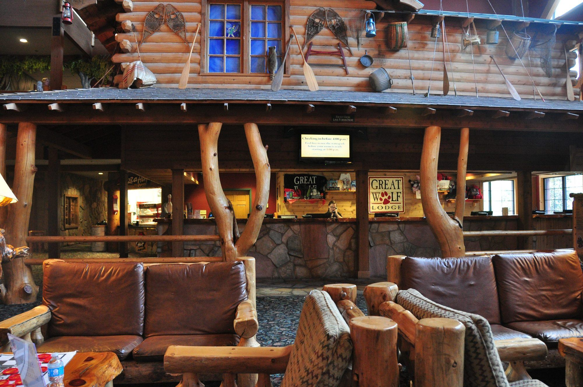 Great Wolf Lodge Williamsburg Lobby