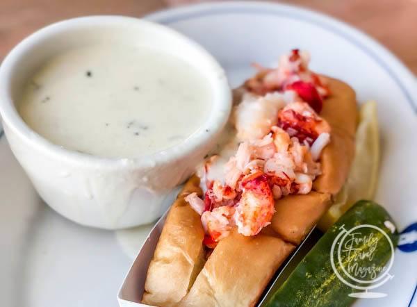 Lobster roll