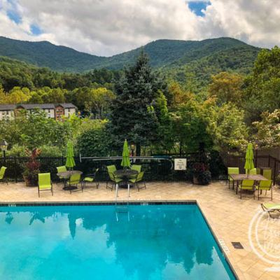 Review of the Holiday Inn Asheville Biltmore East