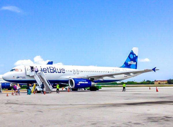 Plane at Grand Cayman