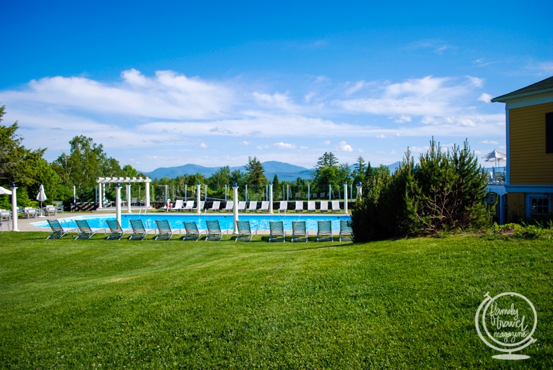 The outdoor pool at the Mountain View Grand Resort and Spa