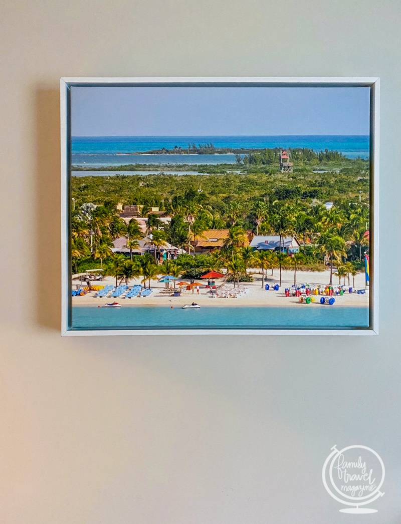 Travel print for a travel gift